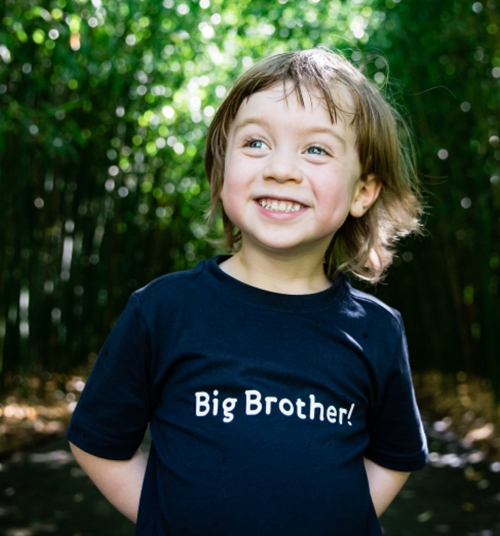 Big Brother Kids Shirt, Kinder-T-Shirt in blau oder rot, in Geschenkschachtel